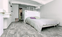 Vinci travertine-look porcelain tile