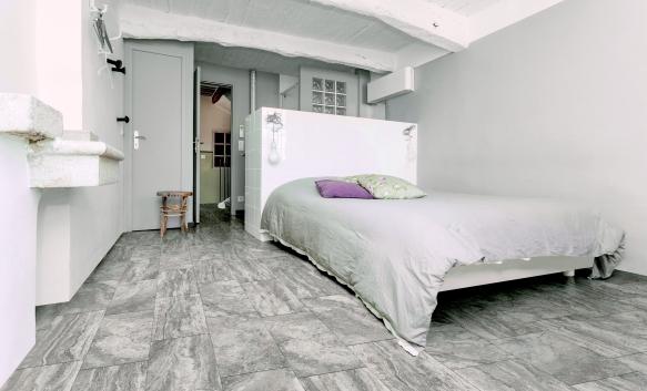 Vinci travertine-look porcelain tile